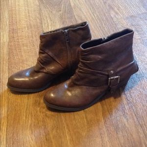 Marc Fisher leather ankle booties boots 7 1/2